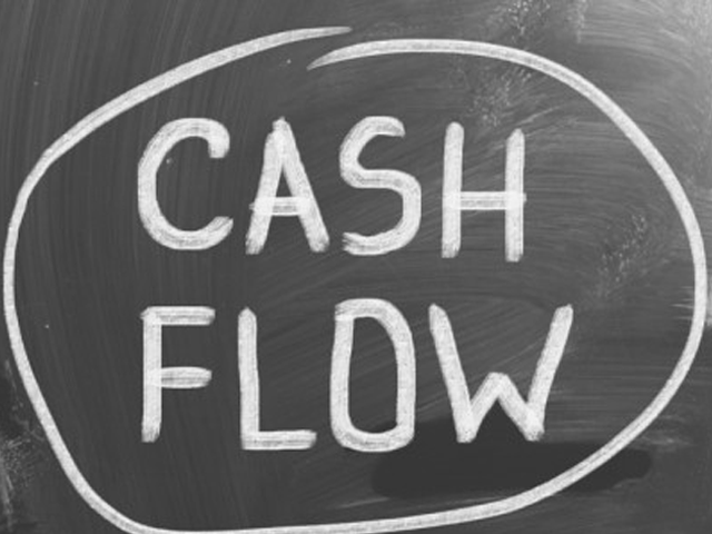 manage organizational cash flow